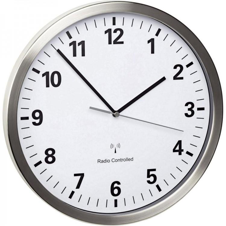 muur horloge.jpg